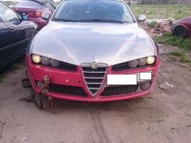 Alfa Romeo 159 dalimis. Skambinti siais