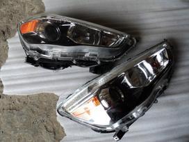 Mitsubishi Outlander žibintai