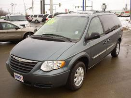 Chrysler Town &amp Country dalimis. 2.5crd 3