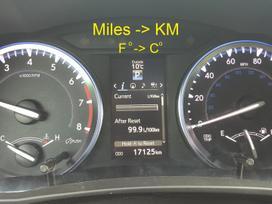 Toyota Highlander. Navigacijos, mylios i km.