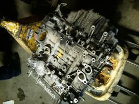 Honda Civic. Variklis visas arba dalimis