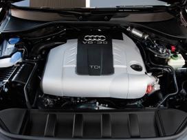 Audi Q7. Variklis dalymis.