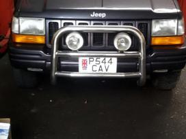 Jeep Grand Cherokee dalimis. Maza rida.