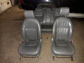 Toyota Hilux sėdynės