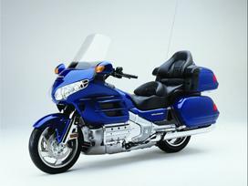 Honda Goldwing, touring / sport touring /