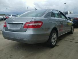 Mercedes-benz E200. Xsenonai