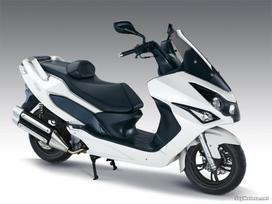 Daelim -kita-, motoroleriai / mopedai