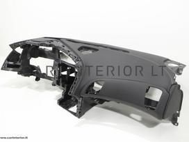 Chevrolet Corvette salono detalės