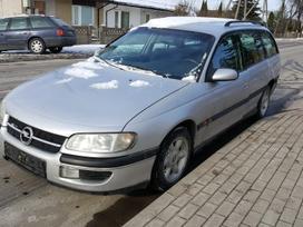 Opel Omega dalimis. Turime ir daugiau įvairių