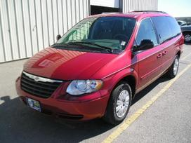 Chrysler Town &amp Country. Automobilis