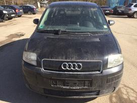 Audi A2 dalimis. Automobilis iš vokietijos