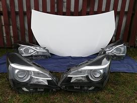 Toyota Yaris. Priekinis kapotas [baltas ir