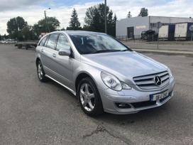 Mercedes-benz R350. Maza rida
