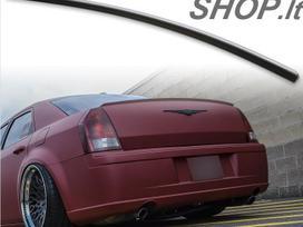 Chrysler 300C. Spoileris 35eur grotelės juodos blizgios 95eur.