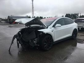 Tesla Model X. Tesla model x p100d  platus