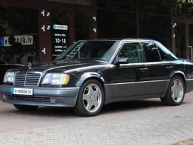Mercedes-Benz E500, 5.0 l., sedanas
