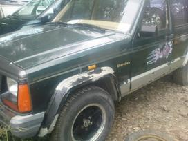 Jeep Cherokee dalimis. Iš prancūzijos. esant
