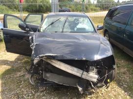 Audi A4 dalimis. Automobilis ardomas dalimis: