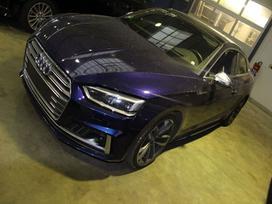 Audi S5. Dėl daliu skambinikite
