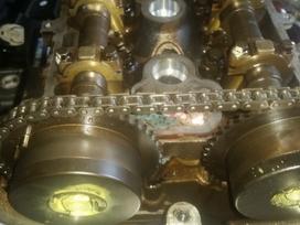 Alfa Romeo 159 dalimis. Variklis ardomas