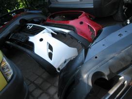 Mazda Cx-3. Buferiai- duru moldingas