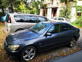 Lexus IS 200, 2.0 l., sedanas