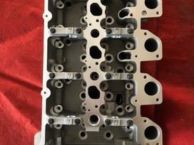 Mitsubishi L200 variklio detalės