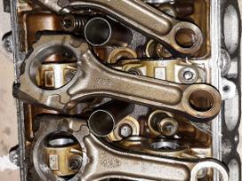 Toyota Celica variklio detalės