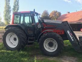 Valtra 8450h Mega su frontaliniu krau, traktoriai