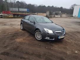 Opel Insignia dalimis. Dar neišardytas.