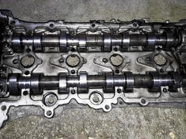 Renault Trafic variklio detalės