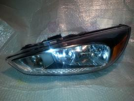 Ford Focus. Ford focus left headlight 2015