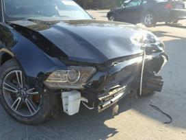 Ford Mustang dalimis. Mustang 3.7 dalimis
