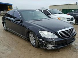 Mercedes-Benz S550. S550 is jav dalimis