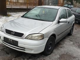 Opel Astra dalimis. Turime ir daugiau įvairių