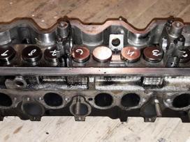 Volkswagen Caravelle variklio detalės