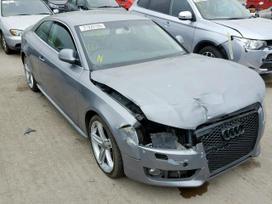 Audi A5. Naudotos įvairių markių ir modelių