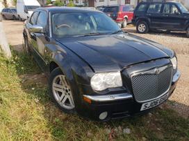 Chrysler 300C. Automobilių naudotos dalys ir supirkimas.