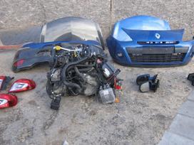 Renault Clio. Yra tai kas nuotraukose