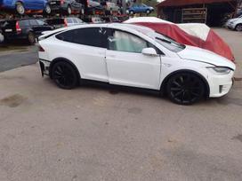 Tesla Model X. Platus naudotų detalių