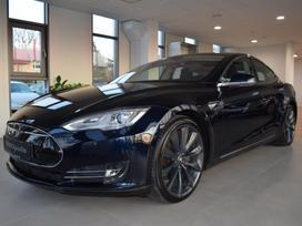 Tesla Model S, sedanas