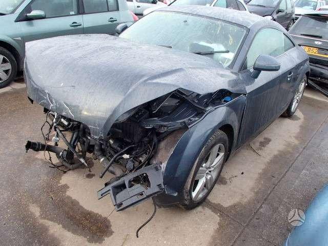 Audi TT dalimis. Siunciam auto detales i