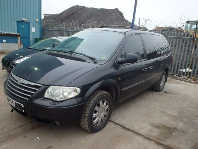 Chrysler Town &amp Country. 4x4
