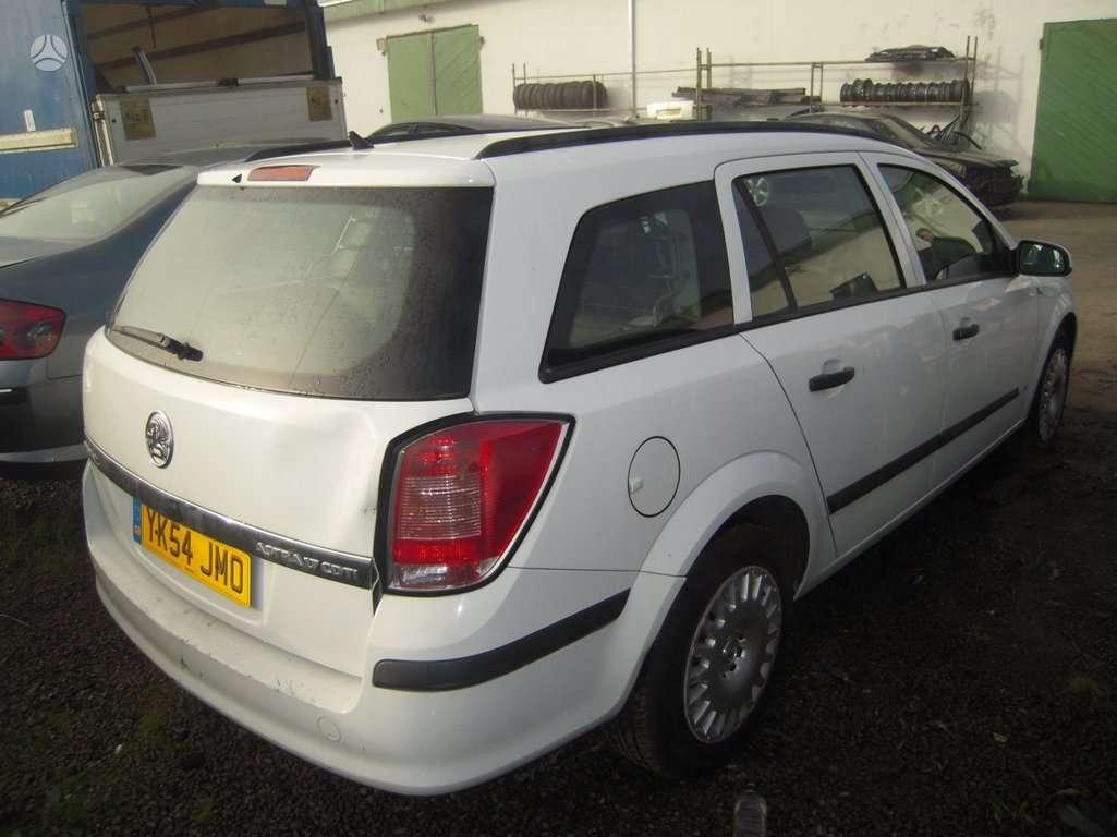 Opel Astra. Mūsų  dalis  jau  galite  pirkti  ir  e-parduotuvėje