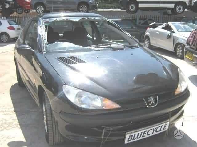 Peugeot 206 dalimis. Daliu pristatymas i kitus miestus.