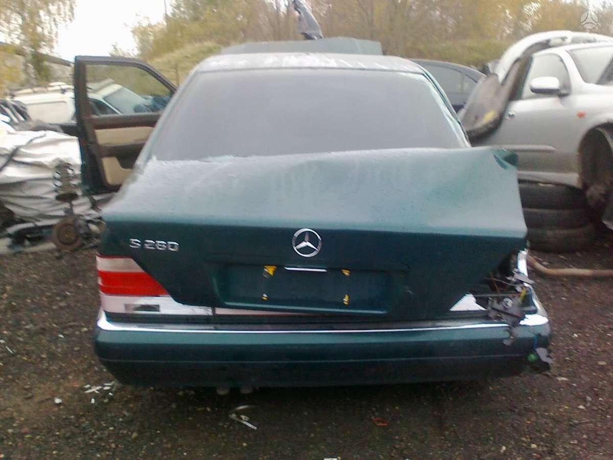 Mercedes-Benz S280 dalimis. Superkame defektuotus automobilius