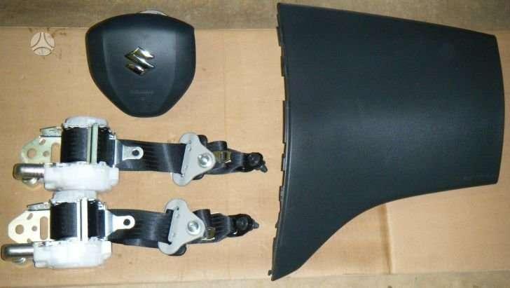 Suzuki Swift oro pagalvės