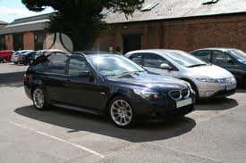 BMW 530 dalimis. Panorama-pusiau oda-xenonai
