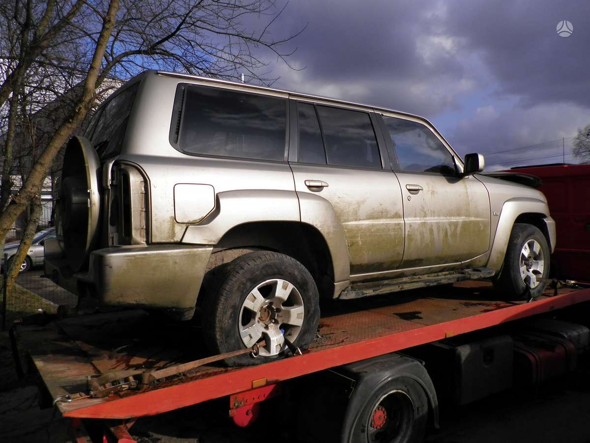 Nissan Patrol dalimis. 3.0 dyzelis mechanika is anglijos dalimis