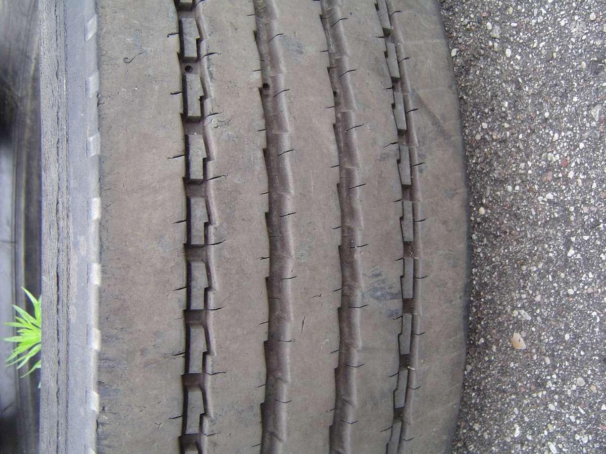 Michelin XZE 2, kita 305/70 R22,5